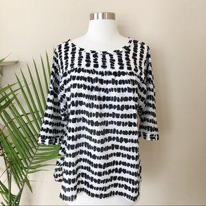 Ann Taylor LOFT Black & White Tunic Top